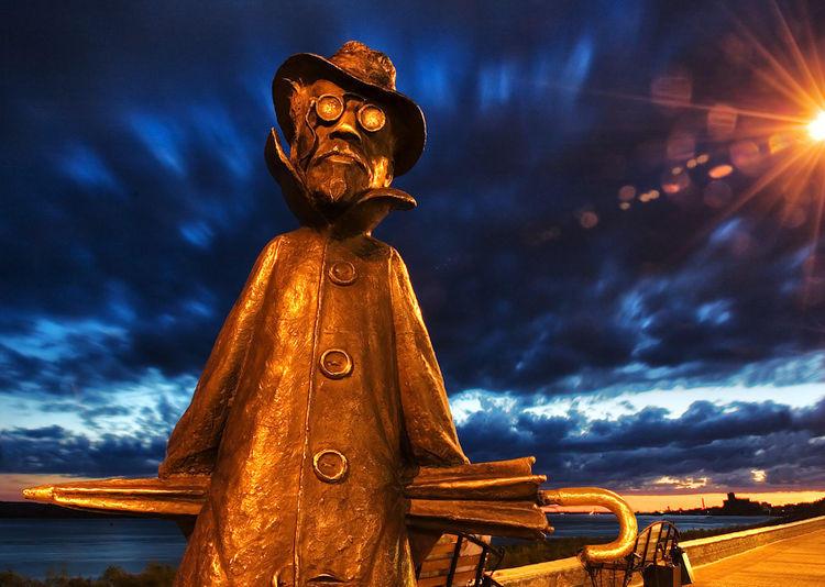 Необычный памятник Чехову