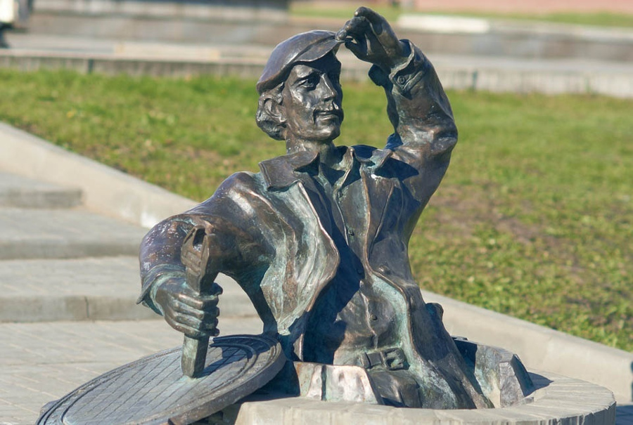 Памятник сантехнику Саранск