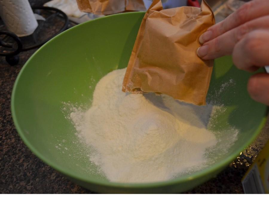 Как Санта делает десерт