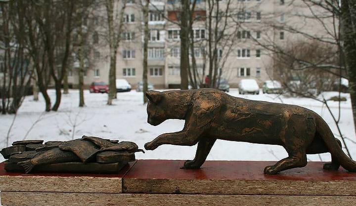 Памятник кошке Матроске