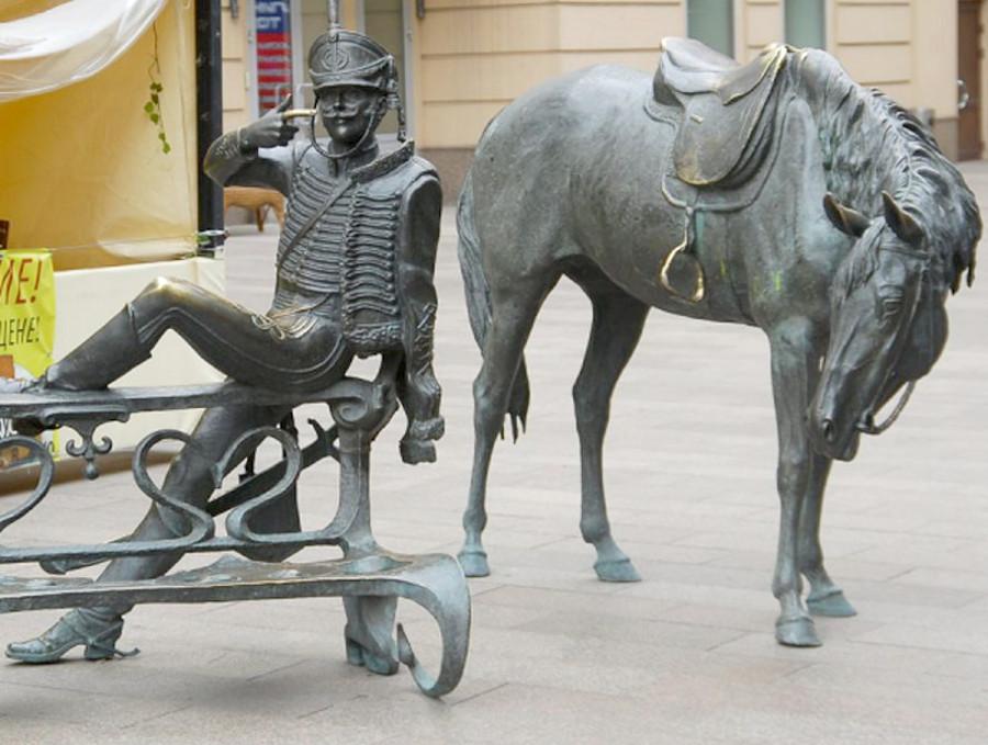 Памятник поручику Ржевскому