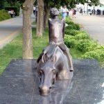 Скульптура «Купание коня» в Ростове-на-Дону