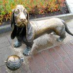 Памятник собаке в Костроме