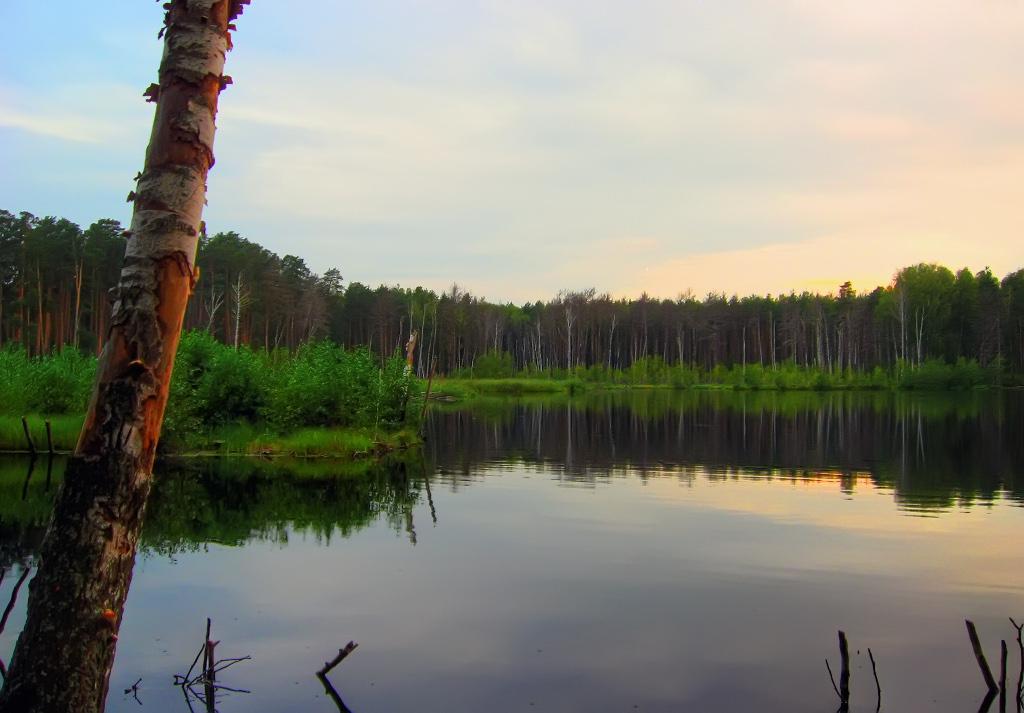Озеро в Тумботино