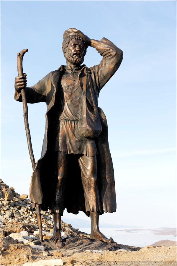 Памятнике забайкальскому бродяге