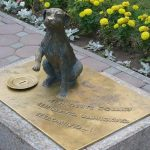 Памятник собаке в Тюмени