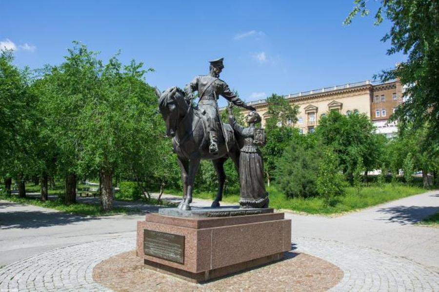 Памятник российскому казачеству в Волгограде